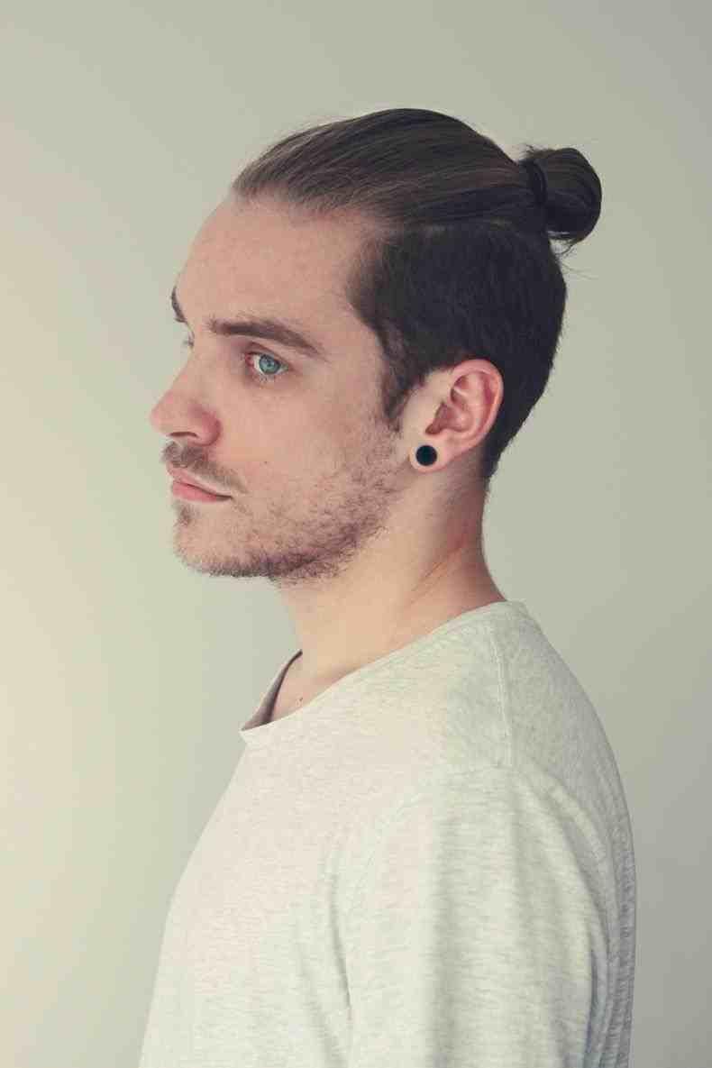 Ponytail Medium-Length Hairstyle for Men - Harptimes.com
