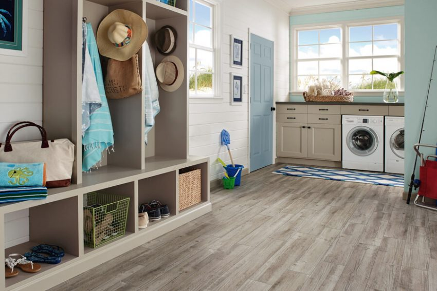 Best Small Laundry Room Ideas in The Mud Room - Harptimes.com