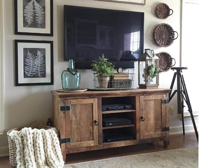 Rugged Barn Wood Living Room Decor Ideas