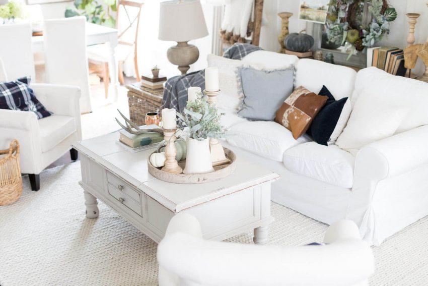White Living Room Design with Pastel Decor
