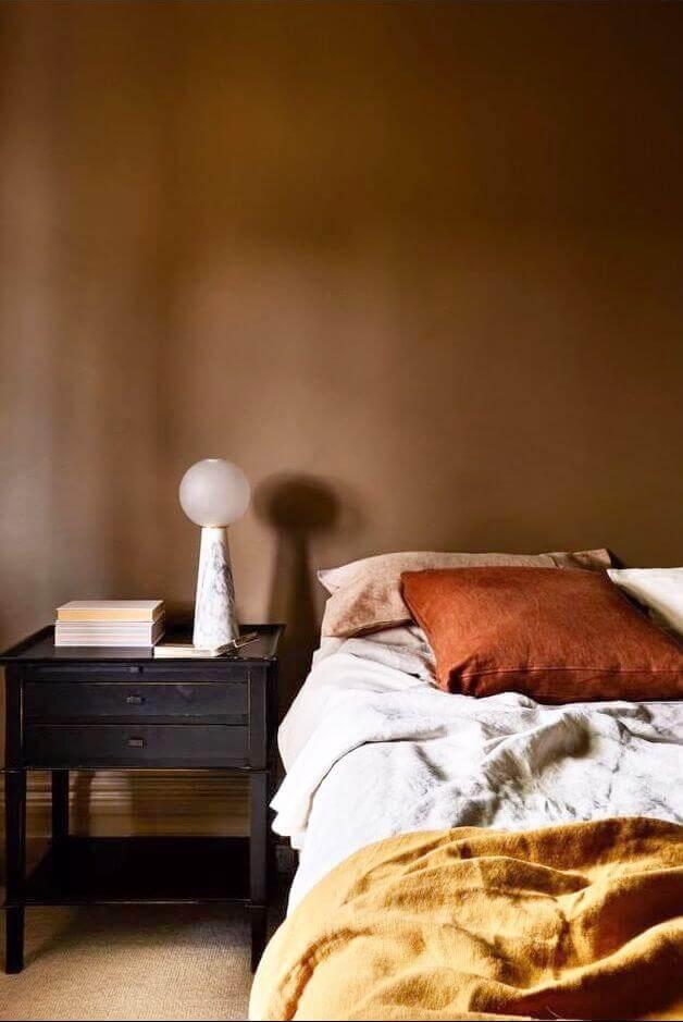 Small Bedroom Ideas 3 Set a Warm Mood