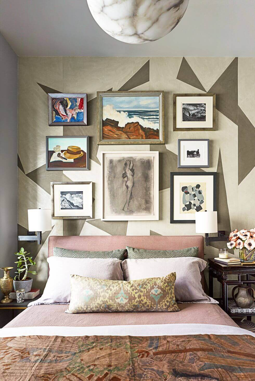 Small Master Bedroom Ideas 7 Fit Furniture to Size