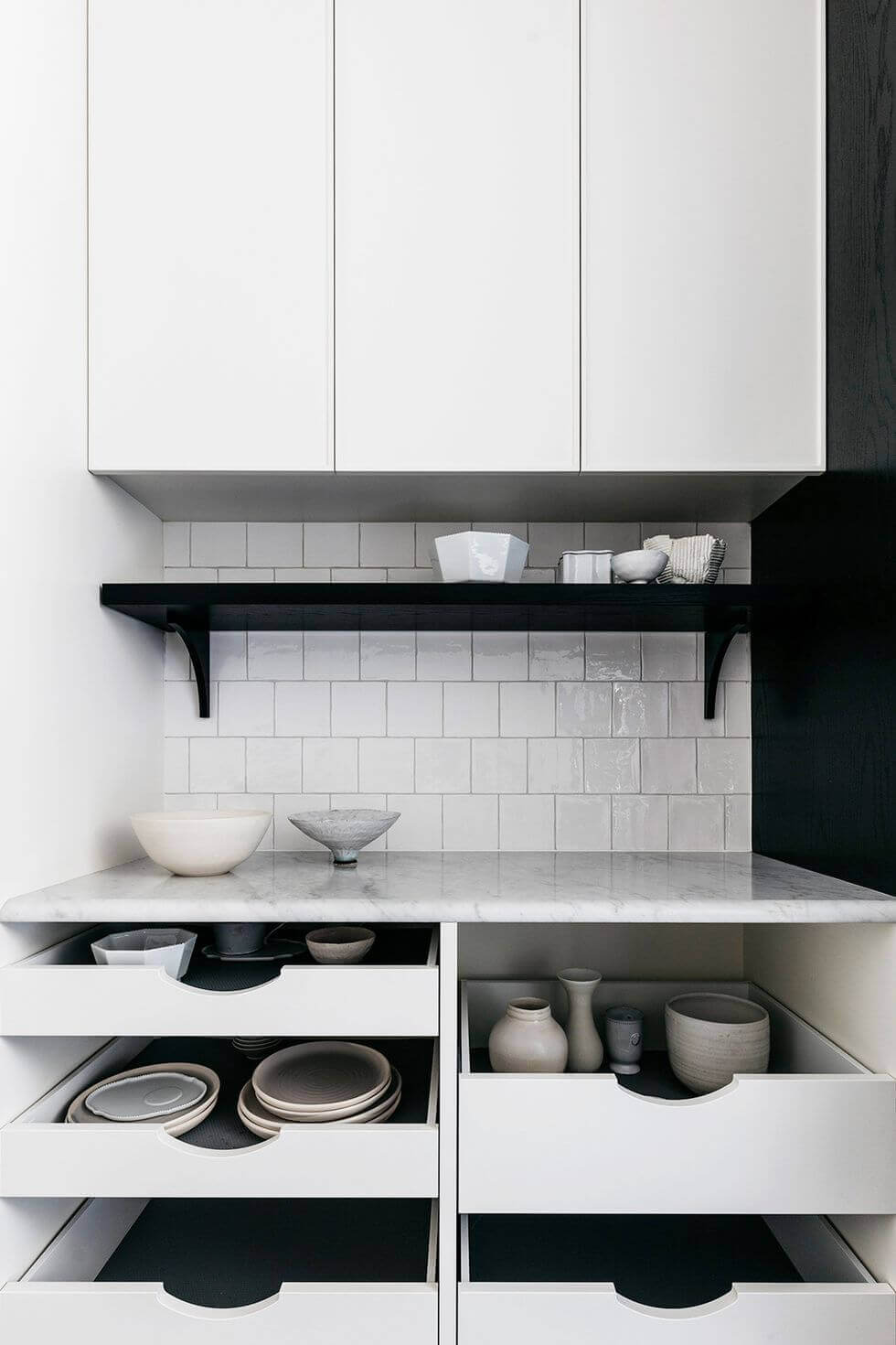 small indian Kitchen Storage Ideas 14 Store Dinnerware in Drawers