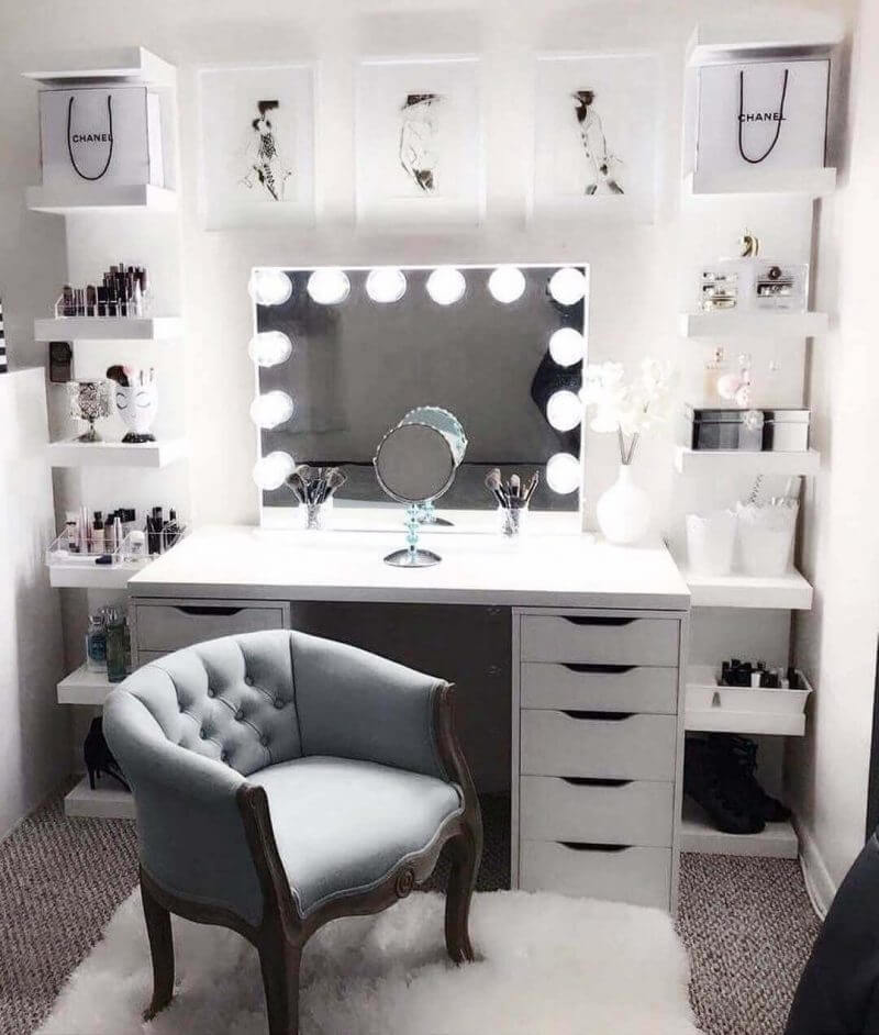 Hollywood-Style Makeup Room Ideas for Small Space - Harptimes.com