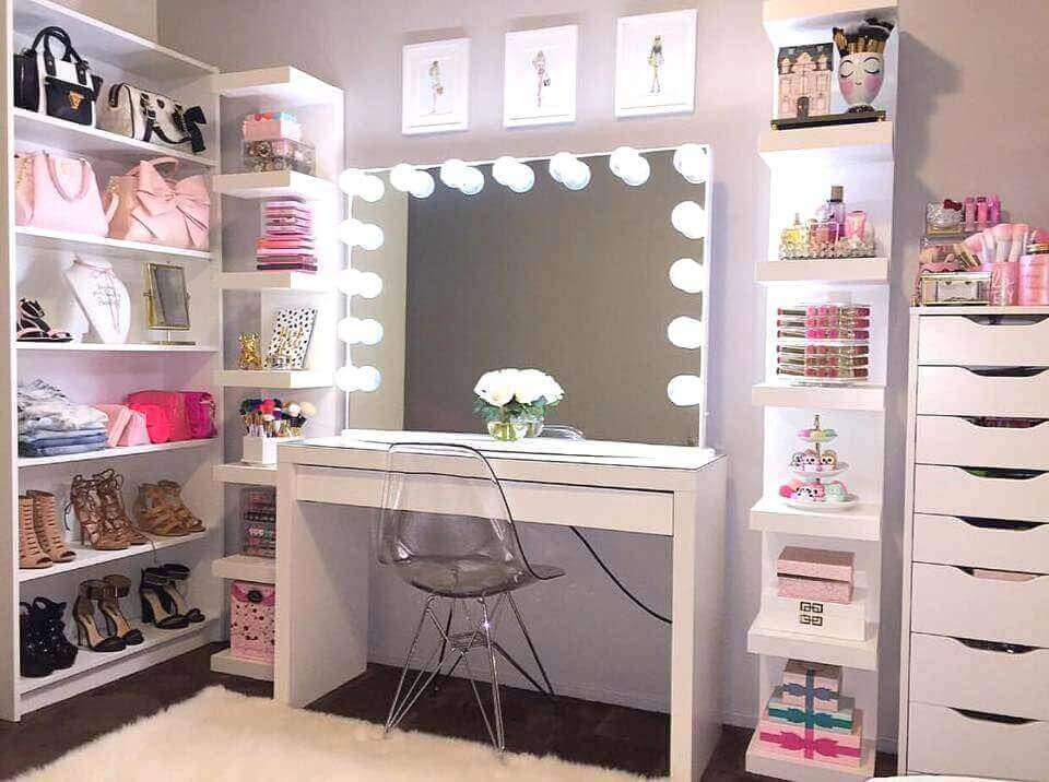 Makeup Room Ideas and OOTD Shelves - Harptimes.com