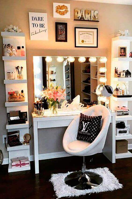 Makeup Room Ideas with Accent Wall - Harptimes.com