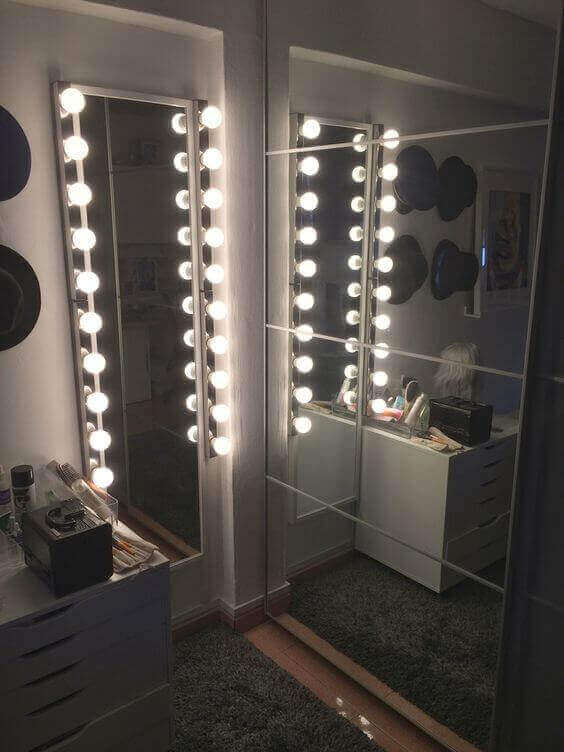 Simple DIY Vanity Mirror with Lights in an Awkward Space - Harptimes.com