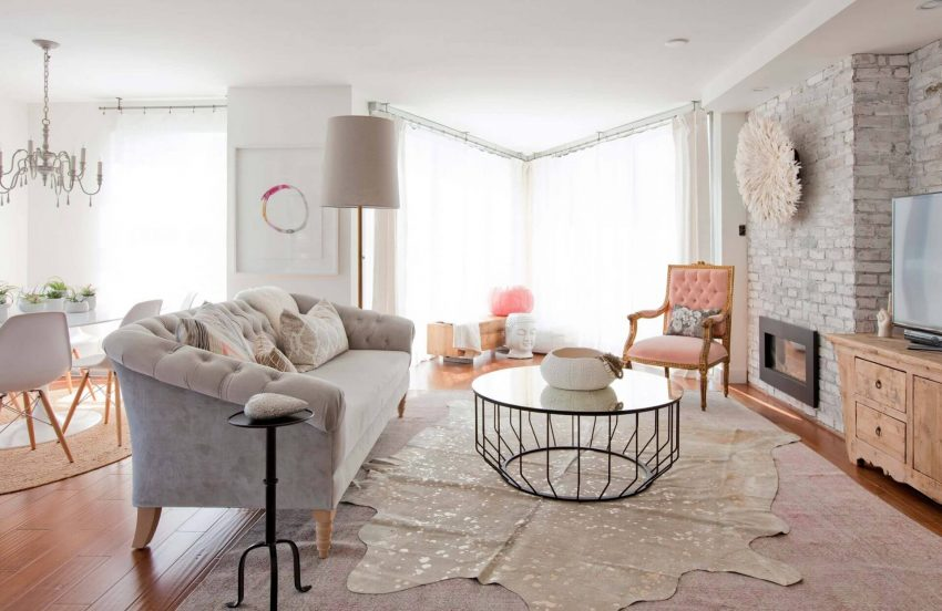 Pink Accents in Grey Living Room Ideas